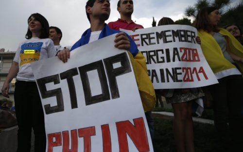 Чому Росія ненавидить Захід та радіє захопленню шматка чужої землі?