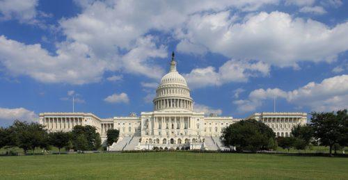 Конституційні механізми захисту американської демократії вже в дії, а чому мовчить РНБО?