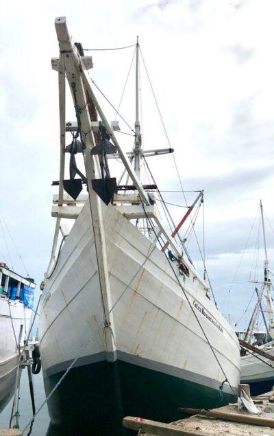 Індонезія. Легенда судноплавства – пінісі.