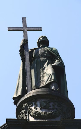 Росія має таке ж відношення до хрещення Київської Русі, як Путін до Хаммурапі.
